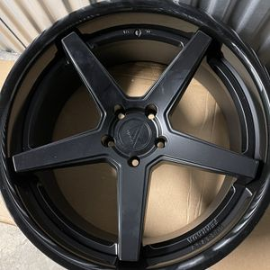 Ferrada Fr3 22x10.5 for Sale in Brooklyn, NY