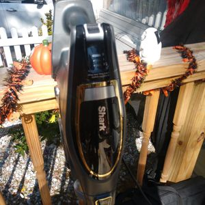 Shark vacuum for Sale in Patchogue, NY