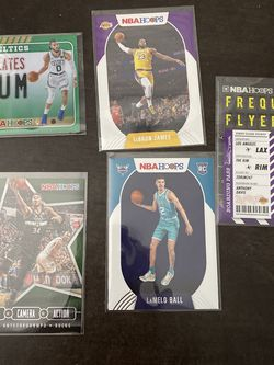 Lot Of 5 Nba Hoops Cards for Sale in Jacksonville,  FL