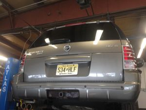 Mercury mountaineer v8 part out for Sale in Beachwood, NJ