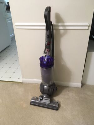 Dyson Vacuum cleaner for Sale in Falls Church, VA