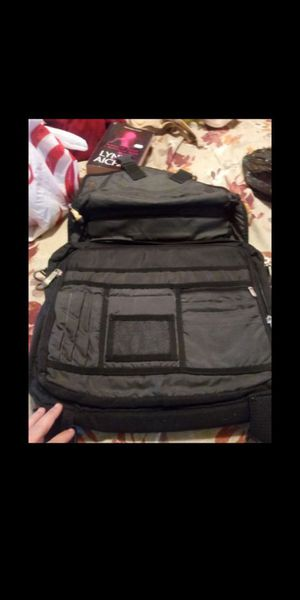 Laptop bag with lots of space and pockets $15 for Sale in Fresno, CA