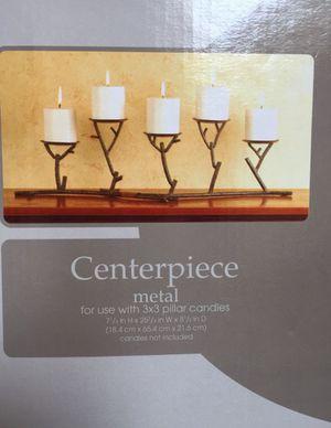 METAL CANDLEHOLDER CENTERPIECE for Sale in Bellevue, WA