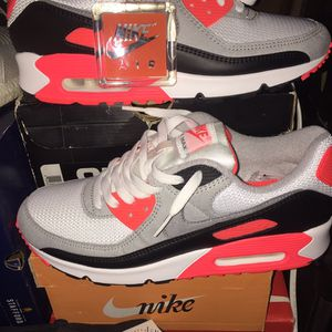 2020 NIKE AIR MAX 90 INFRARED SZ 9.5 for Sale in Alexandria, VA