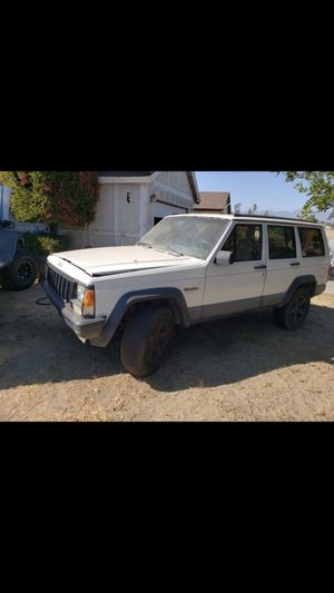 1994 jeep xj 2 wheel drive for parts for Sale in Bloomington, CA