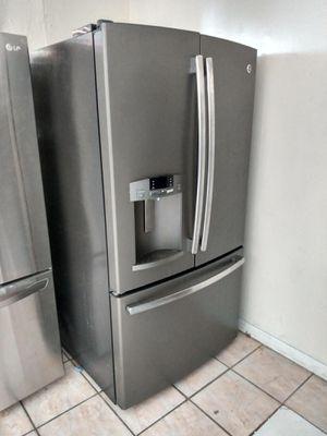 Refrigerador black stainless steel 36x68 the tree door for Sale in Miami Gardens, FL