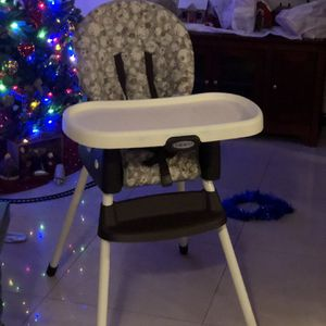 Highchair for Sale in Hollywood, FL