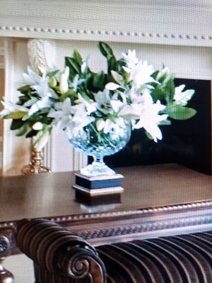 Beautiful Crystal large Bowl vase for Sale in West Palm Beach, FL