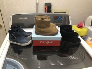 Toddler girl boots size 8 for Sale in Palmdale, CA
