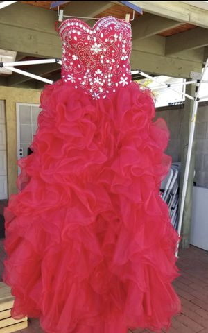 Quinceanera dress, sweet 16 dress, vestido de quince años for Sale in Los Angeles, CA
