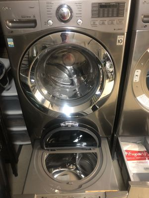 Newer Washer and Dryer for Sale in Bradenton, FL