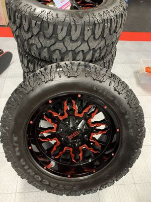 Jeep Wrangler mudding wheels and tires for Sale in Parkland, FL