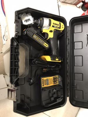 Dewalt drill 20v brushless for Sale in Phoenix, AZ