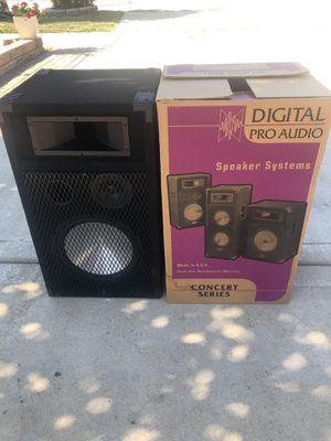 "DIGITAL PRO AUDIO, Speaker. 27"" tall. for Sale in Romeoville, IL"