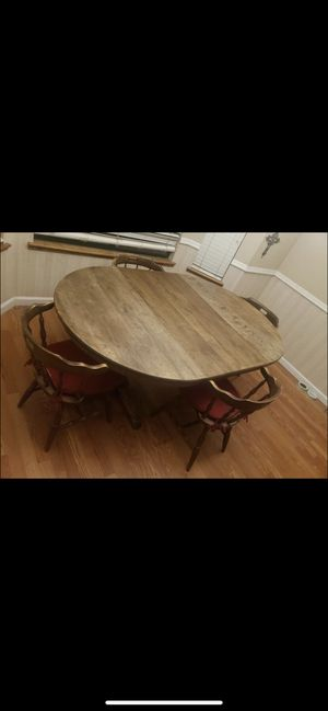 Beautiful Extending Dining Room Table for Sale in Manteca, CA