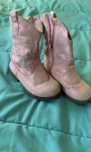 Size 8 pink shimmery cowgirl boots for Sale in Lake Ridge, VA