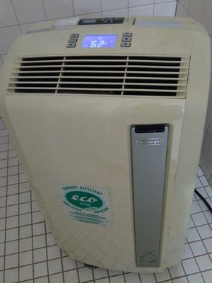 Air conditioner heater humidifier cold air fan with timer and remote control for Sale in Phelan, CA