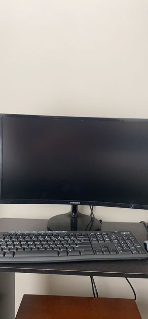 Samsung curved Monitor and logitech wireless keyboard mouse. for Sale in Atlanta, GA