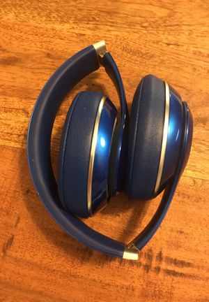Beats by Dr Dre Studio 2 - Blue - Bluetooth Wireless headphones for Sale in Austin, TX
