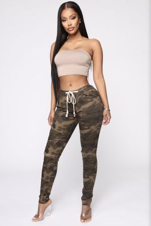 Camo pants ! NEVER WORN for Sale in Decatur, GA