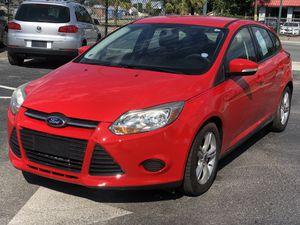 2015 Ford Focus hatchback SE for Sale in Orlando, FL