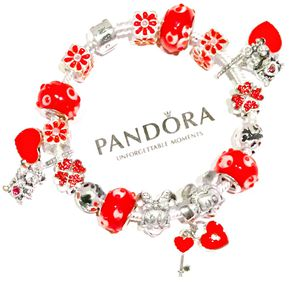 Iconic Pandora 925 Mickey and Minnie Mouse Bracelet for Sale in Marysville, WA