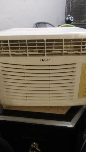 Haier window air conditioner for Sale in Mesa, AZ