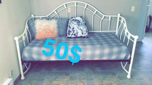 Day Bed / Futon / Bed for Sale in Tacoma, WA