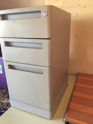 3 drawer metal file cabinet for Sale in Albuquerque, NM