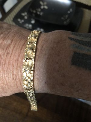 "solid 14k yellow gold men's 8"" nugget braclet for Sale in Bradenton, FL"