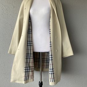 Burberry Coat Sz 8 for Sale in Alexandria, VA