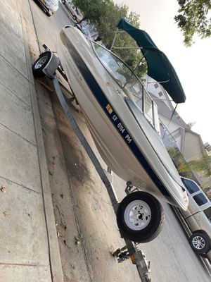 2000 bayliner capri 1850lx for Sale in Fresno, CA