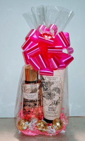 New Gift Victoria Secret Wild Flower 2pc Set for Sale in Rialto, CA