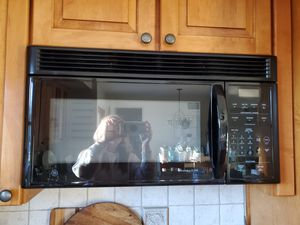 GE Over-the-Range Microwave for Sale in Toms River, NJ