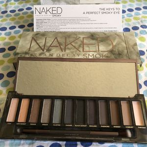 🎨🎨NAKED SMOKY EYESHADOW WITH BRUSH NEW💕😀😀 for Sale in Rowland Heights, CA