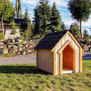 Handcrafted dog house. for Sale in Arlington, WA