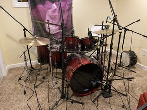 Mapex Saturn V - MH Exotic 5 piece Cherry Mist Rosewood for Sale in Washington, PA