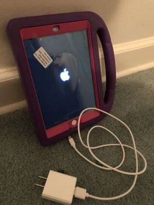 1st Gen iPad mini w/ charger & case for Sale in Fayetteville, GA