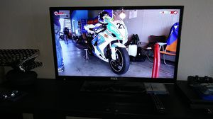 32 in LCD tv for Sale in Ontario, CA
