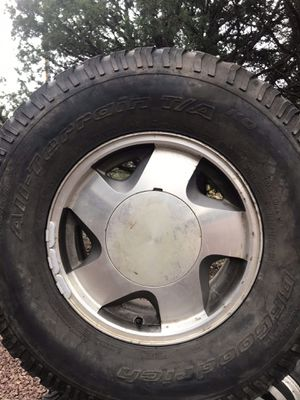 BF Goodrich tires on Chevy rims 265 x 75 x 16 for Sale in Nutrioso, AZ