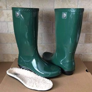 New Ugg Rain Boots (Size 7 US only) for Sale in Chula Vista, CA