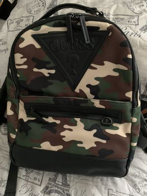 Guess Men's Camo Backpack for Sale in Santa Ana, CA