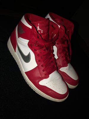 Air Jordan 1's Silver Medal for Sale in Bowling Green, OH