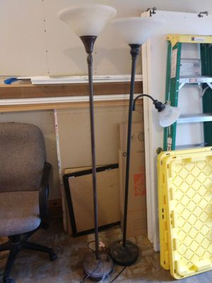 Floor lamps for Sale in Gig Harbor, WA