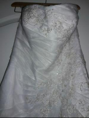 NE ER USED!!! David's Bridal for Sale in Victorville, CA