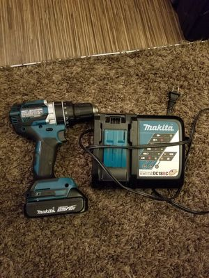Drill Makita 18 volts as new. With charger. for Sale in Kent, WA