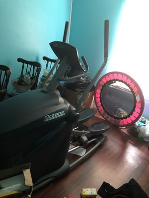 Octane fitness q35 elliptical for Sale in Franklin, TN