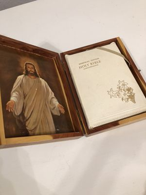 The Holy Bible Memorial Edition Concordance in Cedar Box for Sale in Arvada, CO