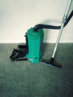 I have a vacuum BISSELL for Sale in Catonsville, MD