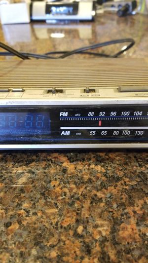General Electric am FM radio and clock for Sale in Hesperia, CA